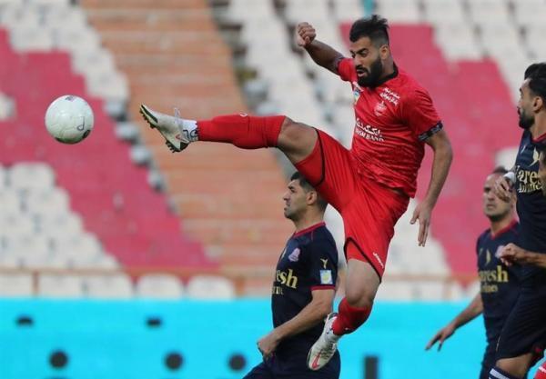 لیگ برتر فوتبال، پیروزی یک نیمه ای پرسپولیس مقابل نساجی